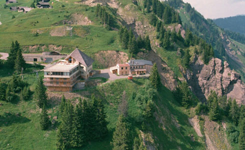 A hotel, a mountain refuge?